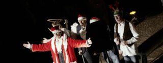 Zur Weihnachtsmarkt-Eröffnung kommt der Schweinachtsmann. - Foto: Karsten Ziegengeist.