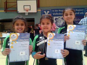 ( v. l. n. r.)  Sarya Yavuz, Zilan und Esra Filiz  Yavuz Foto: SC Westfalia Kinderhaus