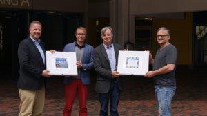 """Foto (v.l.n.r.): Marc Weßeling (""""Mach mit, Münster!""""), Ralf Cyrus (Geschwister-Scholl-Gymnasium), Clemens Krause (Geschwister-Scholl-Realschule), Heiko Philippski (""""Mach mit, Münster!"""")"""