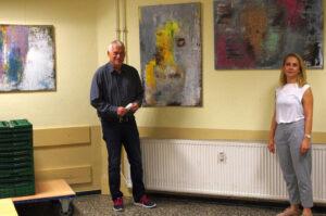 Thomas Kollmann, Geschäftsführer des BGZ und die Künstlerin Khadija Batti. Foto: BGZ.