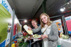 Auf der großen KICK-Party im Skaters Palace mit Comedy-Programm und Burger-Buffet werden die KICK-Gewinner bekanntgegeben. Foto: Münsterview/Tronquet