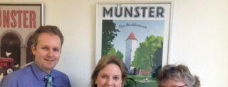 Foto v.l.: Michael Schmitz (Vorsitzender Stadtsportbund Münster), Simone Wendland (MdL), Astrid Markmann (stellv. Vorsitzende Stadtsportbund Münster, Breitensport)
