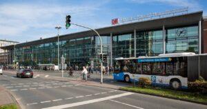 Vom Hauptbahnhof Münster aus starten Nahverkehrszüge ins gesamte Land. Mit Abo können sie an den Wochenenden in den Sommerferien kostenlos genutzt werden.
