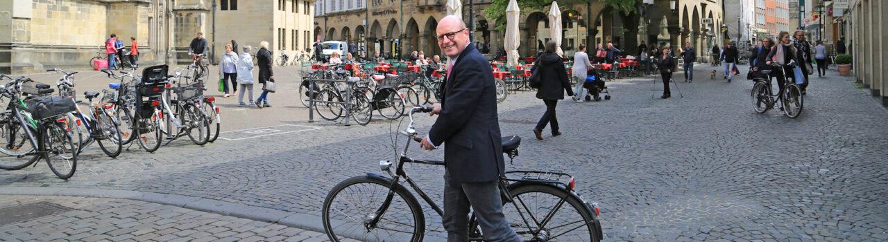 OB Lewe am Lambertikirchplatz. Foto: Presseamt Münster / Britta Roski.