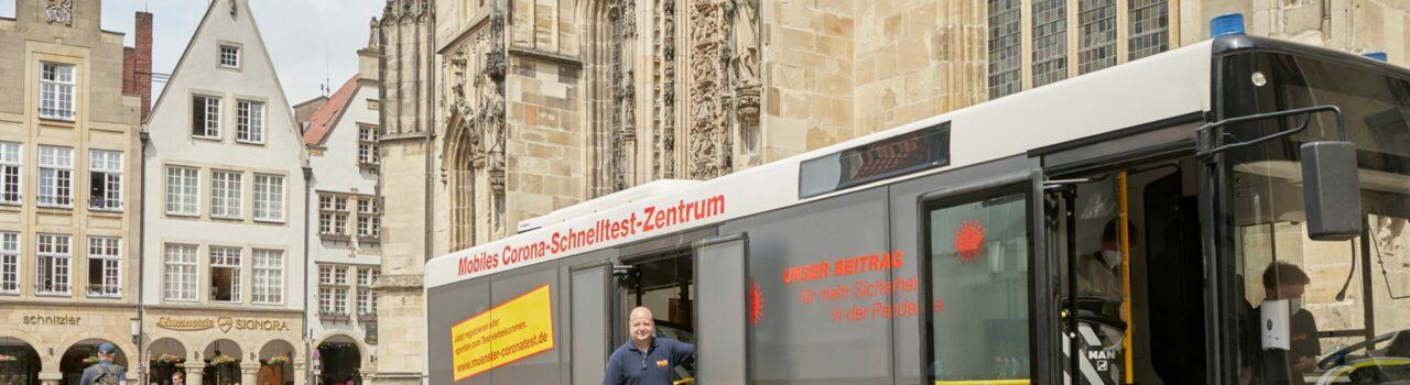 In diesem Schnelltest-Bus des Arbeiter-Samariter-Bundes (ASB RV Münsterland) wird in verschiedenen Stadtteilen geimpft. Foto: ASB